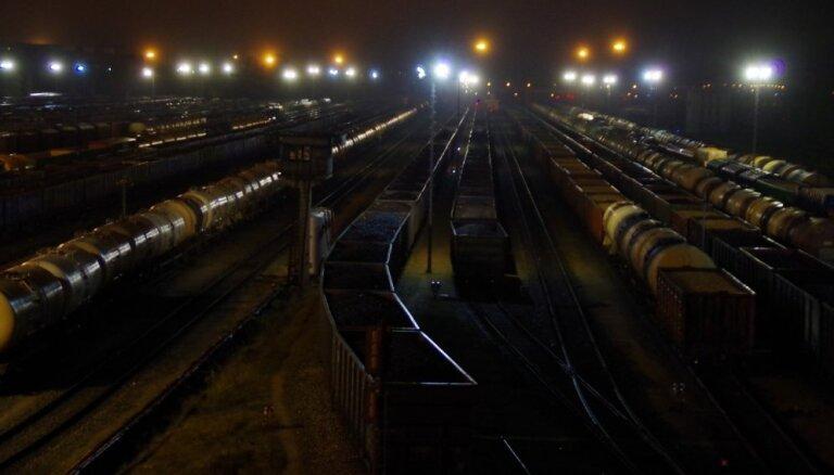 Latviju šķērsojis garākais kravas vilciena sastāvs LDz vēsturē