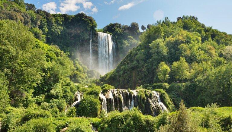 Dabas brīnums Itālijā, kas tiek dēvēts par augstāko cilvēka veidoto ūdenskritumu pasaulē