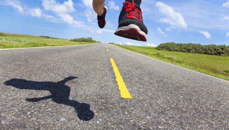 Čepngetiča Stambulā labo pasaules rekordu pusmaratonā