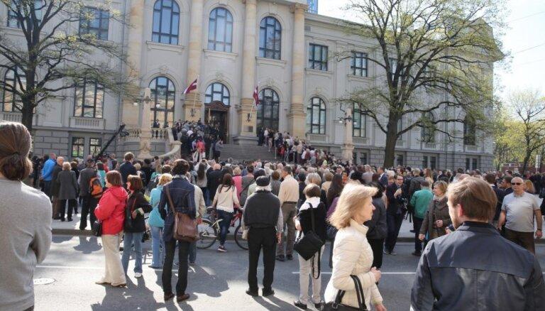 Foto: Svinīgi atklāts restaurētais Latvijas Nacionālais mākslas muzejs