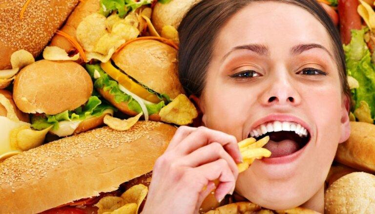 Septiņi dietologu 'melnā saraksta' ēdieni: kā tos pārvērst par veselībai draudzīgiem?
