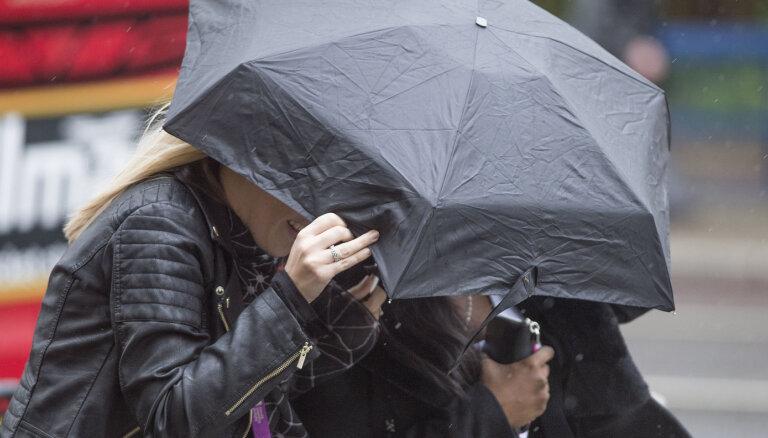 ФОТО, ВИДЕО: По Свердловской области в России пронесся ураган, три человека погибли