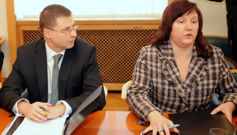 Dombrovska bijusī padomniece Bukane 'Vienotībai' noziedo 6000 eiro