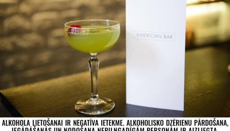 Kokteiļu svētnīcas Londonas 'American Bar' menedžeris: kokteiļu kultūra Latvijā ir daudzsološa