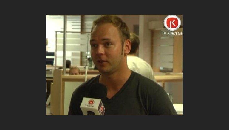 Lauris Reiniks veido jaunu klipu 'Sirds sadeg neparasti'