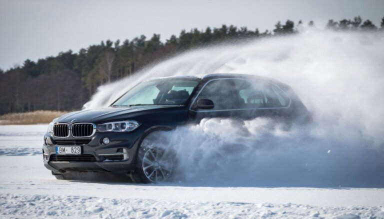Sniegotākie un ledainākie BMW automašīnu uznācieni