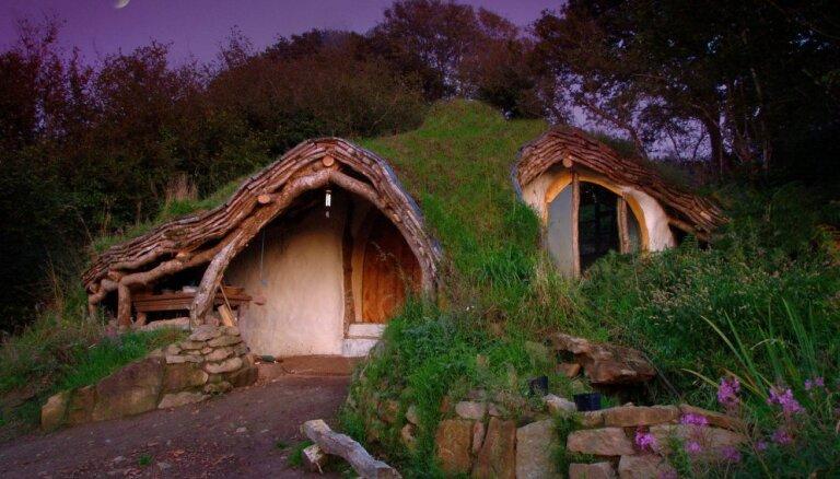 От прозрачного дома на кладбище до дома-автомобиля: 15 необычных особняков Европы