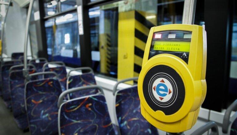Совет общественного транспорта задержал Рижской думе дотацию на перевозку людей с инвалидностью