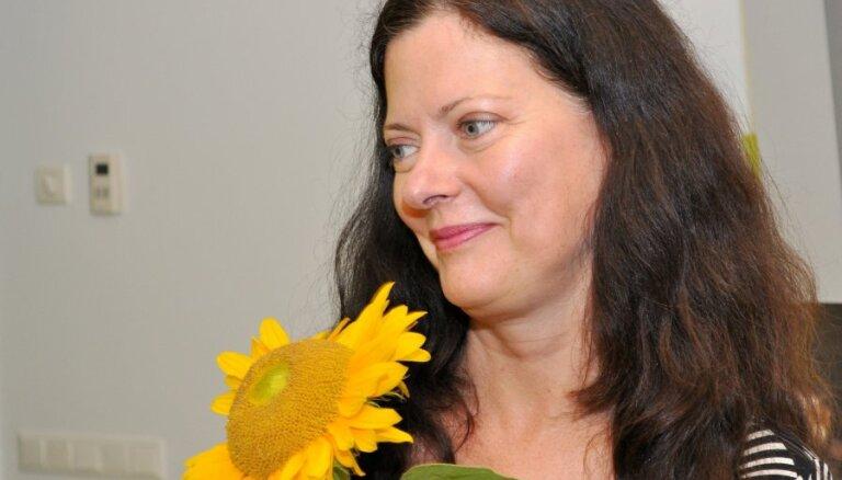 Lorija Vuda atklāj sava nezūdošā skaistuma avotus