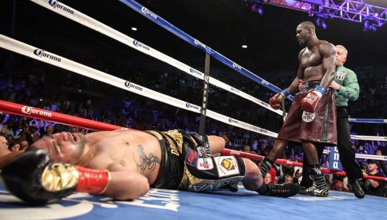 Будущий соперник Поветкина уверенно защитил титул чемпиона WBC (ВИДЕО)