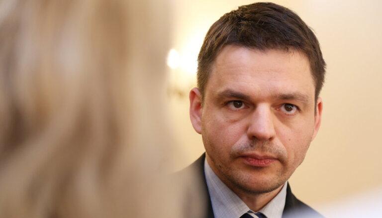 """Шноре: """"обрусение"""" латвийского медиапространства приумножило число сторонников Путина"""