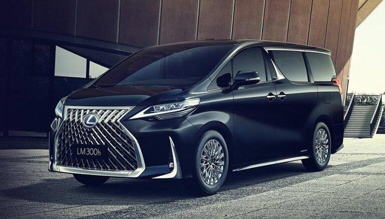 'Lexus' izstrādājis luksusa mikroautobusu 'LM'