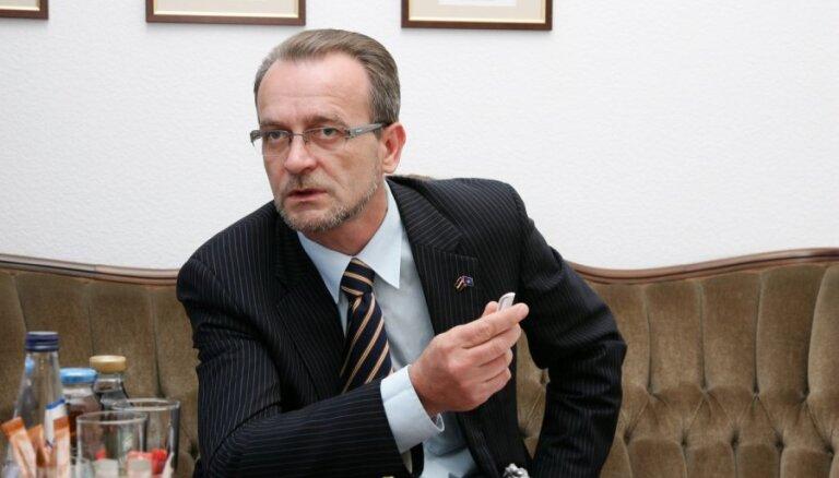 """Латвийская """"комиссия по КГБ"""": Минюст заставляет плясать под свою дудку"""