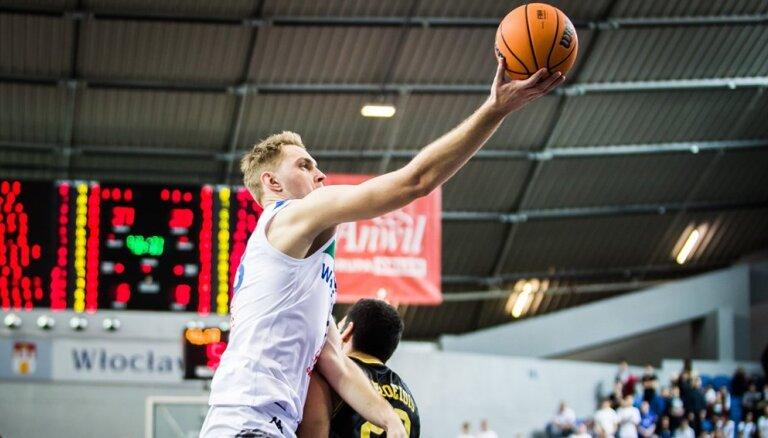 Freimanis ar 16 punktiem neglābj komandu no zaudējuma FIBA Čempionu līgas spēlē