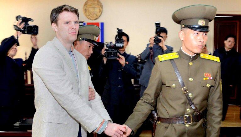 Ziemeļkoreja pieprasījusi ASV apmaksāt nebrīvē līdz nāvei nomocītā Vormbīra ārstēšanu