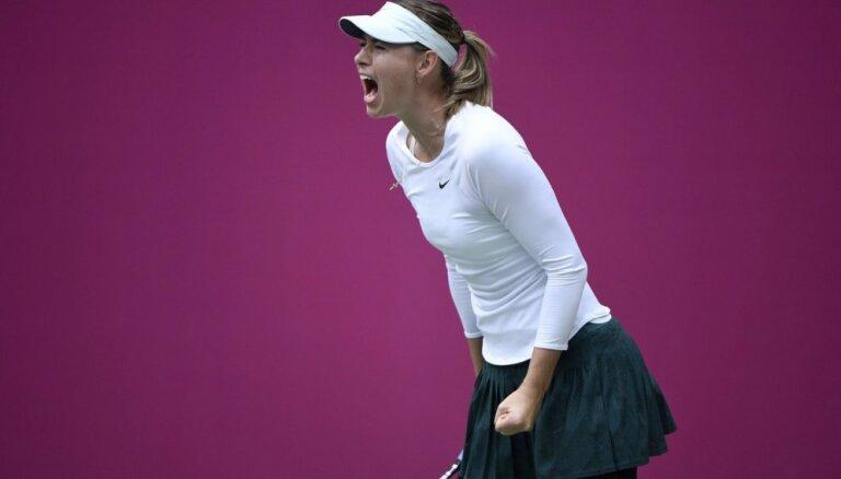 Šarapova izcīna pirmo WTA turnīru uzvarētājas titulu kopš diskvalifikācijas izciešanas