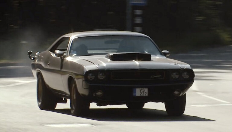 Video: Timrots sajūsmā par Kulberga 73. gada 'Dodge Challenger' muskuļauto