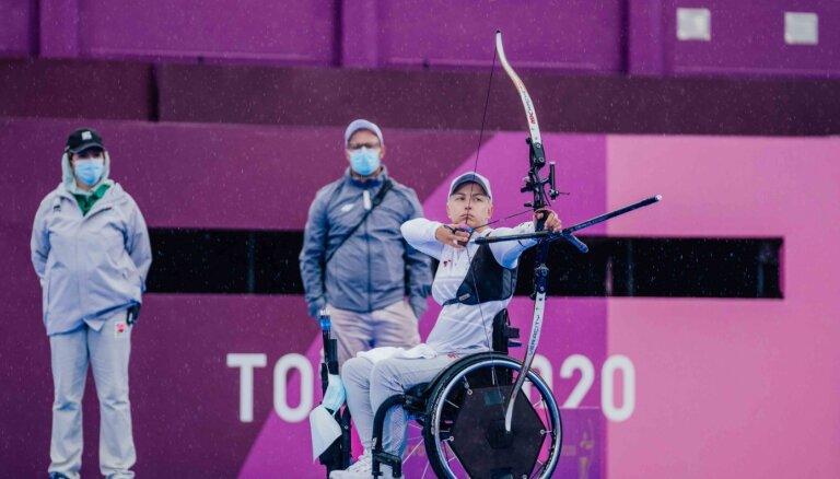 Loka šāvējai Mellei zaudējums paralimpisko spēļu izslēgšanas turnīra pirmajā kārtā