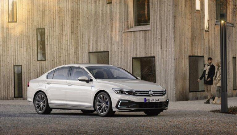 Modernizētais 'Passat' ir pirmais VW ar otrā līmeņa autonomo braukšanu