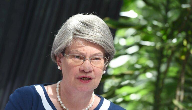 Viņķele nomainījusi piecus valsts galvenos speciālistus, arī ar 'Rigvir' saistīto Baltiņu