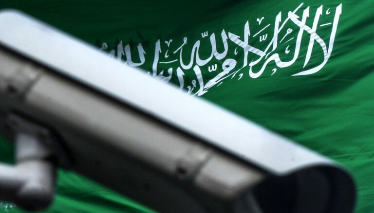 """СМИ пишут о десятках """"брошенных"""" в Саудовской Аравии бизнес-джетах"""