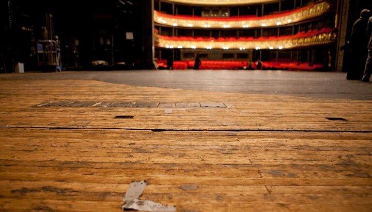 Šovasar remontēs LNO skatuves grīdu