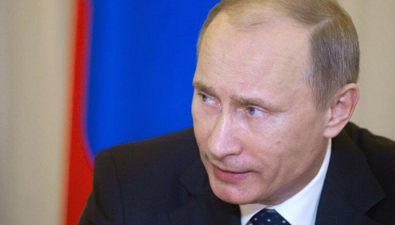 Путин не советует иностранцам тратить деньги на выборы в РФ