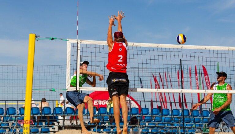 Namiķe/Brailko un Lietuvas duets izcīna uzvaras Latvijas pludmales volejbola čempionāta posmā Jūrmalā
