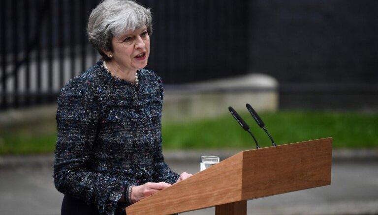 Ja parlaments noraidīs vienošanos, 'Brexit' var nenotikt, brīdina Meja