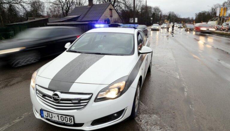 Дорожная полиция начала масштабный 24-часовой рейд по всей Латвии