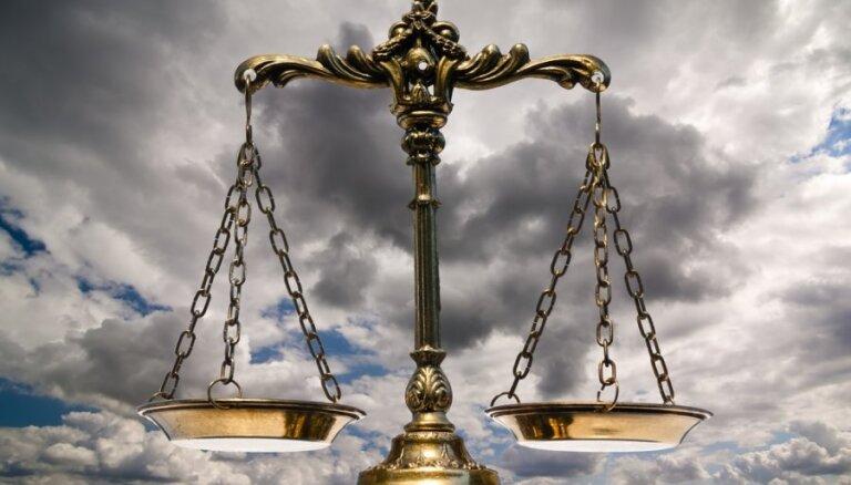 Fiktīvā nostrādināšanā vainotais Strazds atstās tiesneša amatu