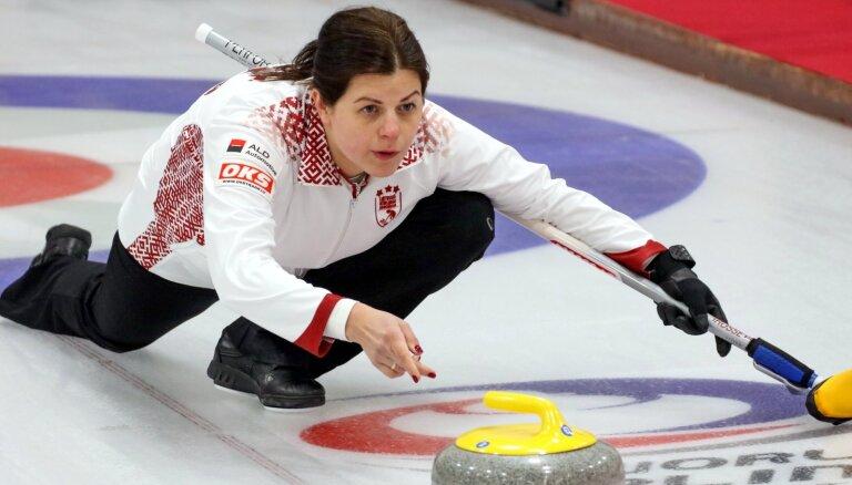 Latvijas kērlingistiem pasaules čempionāts turpinās neveiksmīgi