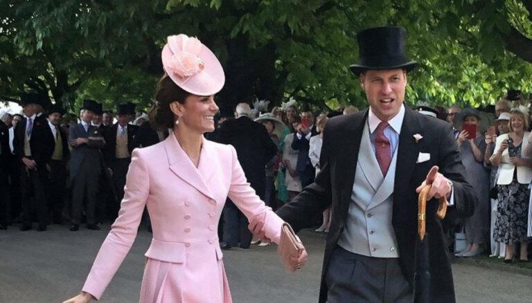"""В Сети появился """"самый романтичный снимок"""" принца Уильяма и его жены Кэтрин"""