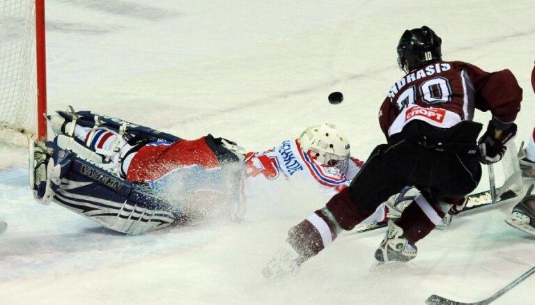 Indrašim trīs vārti; 'Rīgas' hokejisti pārspēj Dašutina pārstāvēto MVD komandu