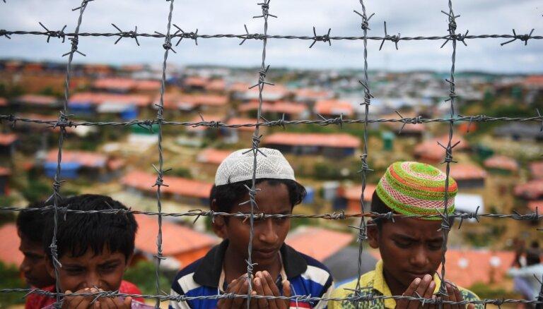 Covid-19: Bangladeša norobežo rohindžu bēgļu nometnes