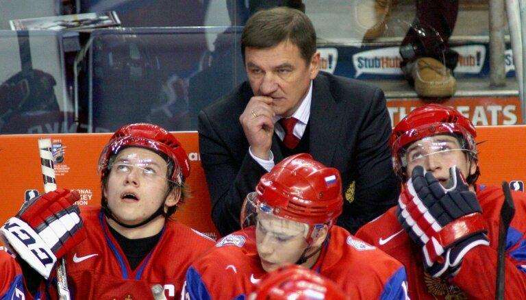 Krievijas hokeja izlasē notikusi galvenā trenera maiņa