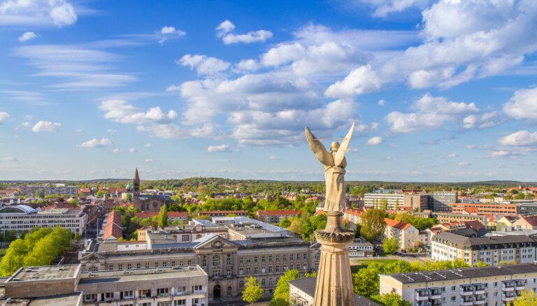 Soļa attālumā no Berlīnes: pieci interesanti un skaisti galamērķi dienas ceļojumam