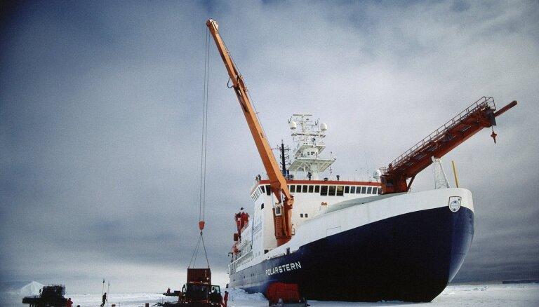 Vēsturē lielākā, 140 miljonus vērtā ekspedīcija dodas uz Arktiku pētīt klimatu
