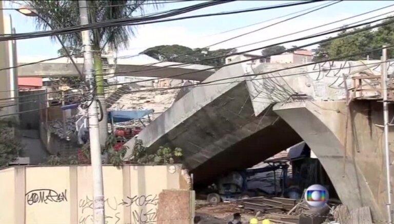 Video: Brazīlijā sabrukusi tilta estakāde; ir upuri