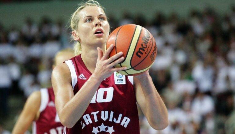 Jēkabsone-Žogota ar deviņiem punktiem palīdz Kurskas 'Dinamo' uzvarēt FIBA Eirolīgas spēlē