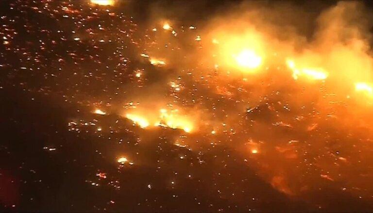 Kalifornijas ugunsgrēkā pazuduši jau vairāk nekā 600 cilvēku