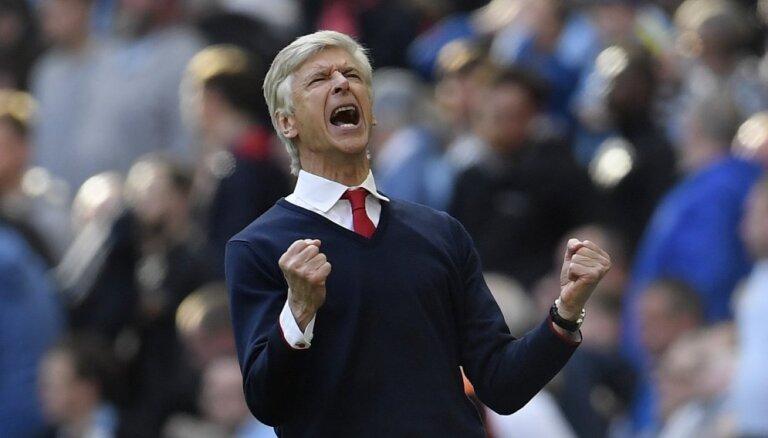 """ВИДЕО: """"Арсенал"""" прервал суперсерию """"МЮ"""", Венгер впервые обыграл Моуринью"""