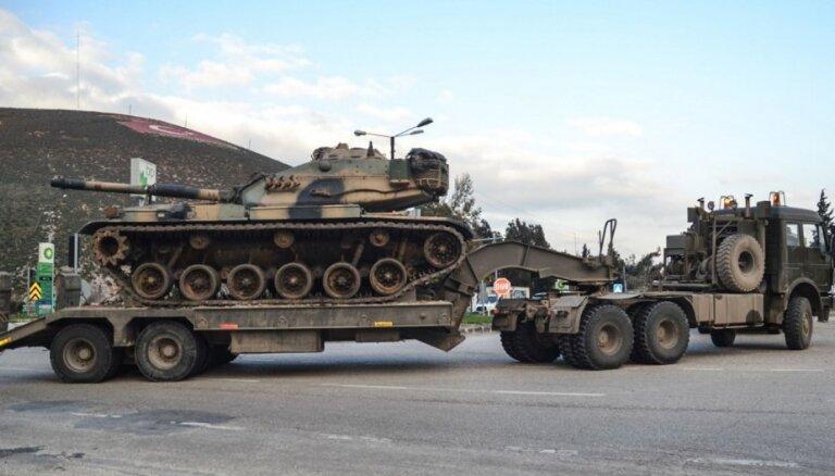 Neraugoties uz Trampa brīdinājumu, Turcija sola turpināt cīņu pret Sīrijas kurdiem