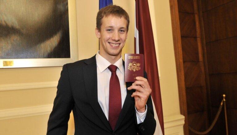 Украинский пятиборец с латвийским паспортом полетит в Рио резервистом