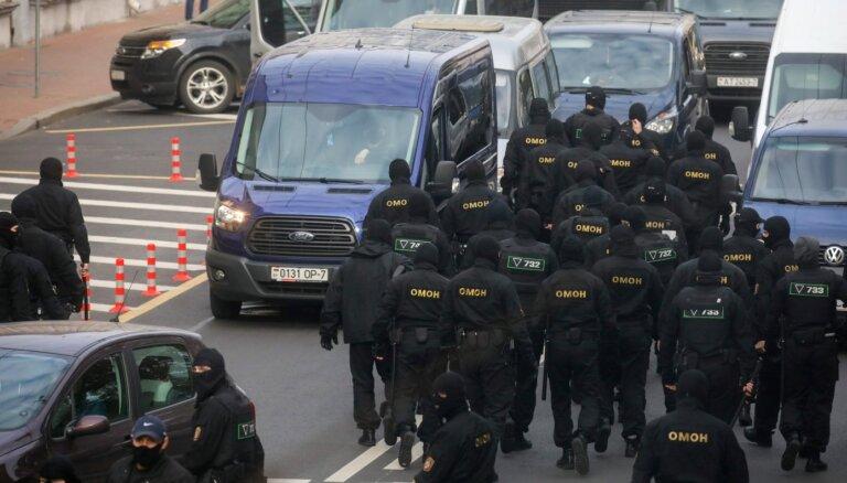В 100-й день протестов в Беларуси прошла акция пенсионеров и медиков
