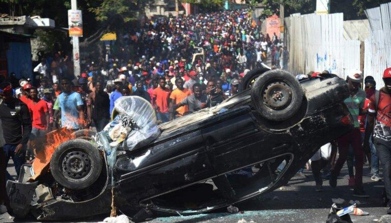 Protesti Haiti: Prezidents opozīciju aicina uz dialogu