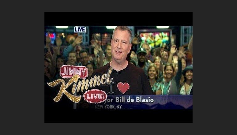 Video: Ņujorkas mērs izpilda solījumu un dzied 'Es mīlu Losandželosu' par godu Stenlija kausa ieguvējiem