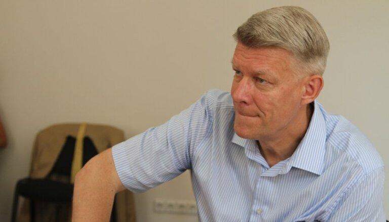 Zatlers: Mirskim pašam būtu jāpieņem lēmums par atkāpšanos no Saeimas komisijas vadības