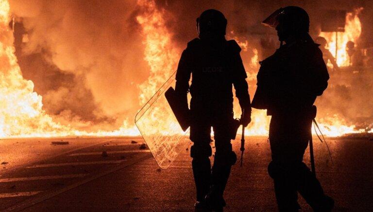 Полиция Барселоны применила резиновые пули против протестующих