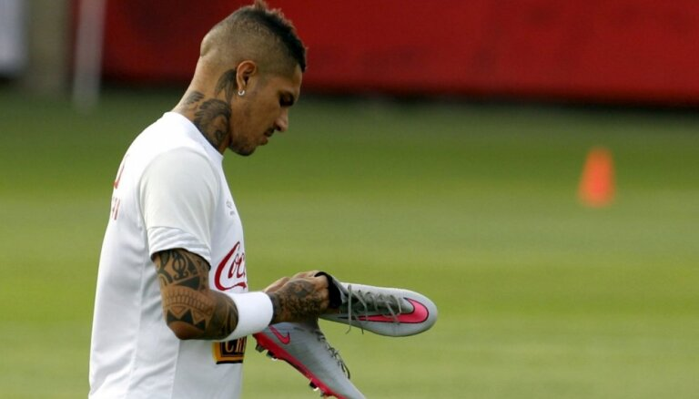 Peru izlases kapteinis Gverrero diskvalifikācijas dēļ izlaidīs Pasaules kausu